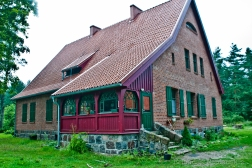 vanagai-kunigo-namas